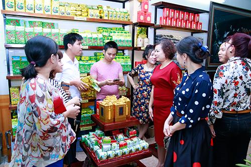 Cua-hang-ban-che-non-tom-Tan-Cuong-Thai-Nguyen-o-Hai-Phong-Htea.vn-01