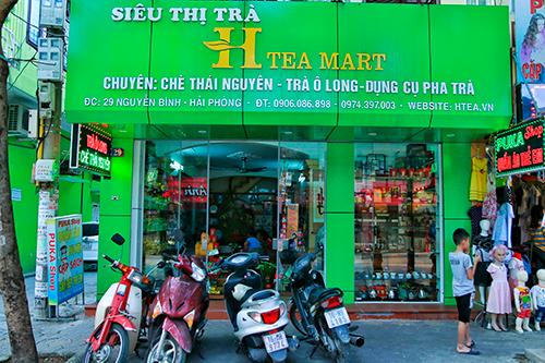 Cua-hang-ban-tra-o-long-alishan